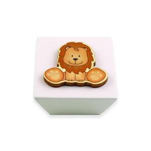 כפתור עץ מרובע קרם + אריה