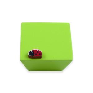 כפתור עץ מרבע ירוק+חיפושת ירוק