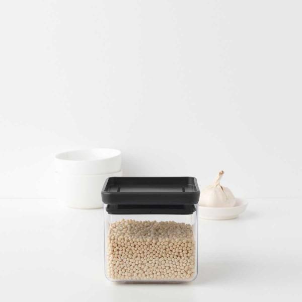 קופסת אחסון פלסטיק שקוף 0.7 ליטר, מכסה אפור כהה Brabantia – ללא BPA