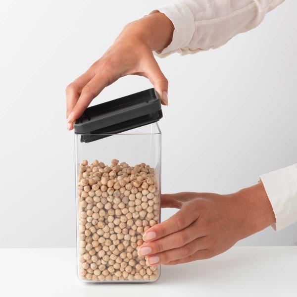 קופסת אחסון פלסטיק שקוף 1.6 ליטר, מכסה אפור כהה Brabantia – ללא BPA